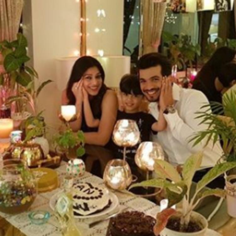 Arjun Bijlani and Neha Swami have a grand celebration at home on their 7th wedding anniversary; See PHOTOS