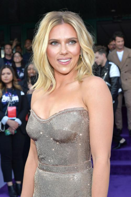 Scarlett Johansson had to withdraw from playing a transgender in Rub & Tub.