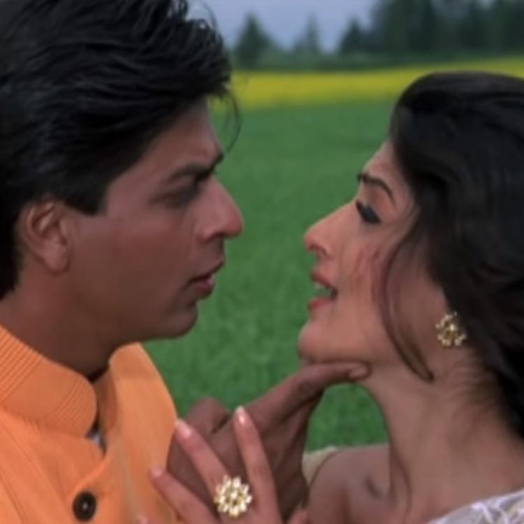 20 years of Badshah: Twinkle Khanna's reaction to a review of Shah Rukh Khan & her film will crack you up