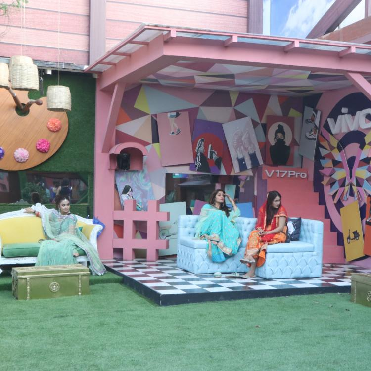 Bigg Boss 13 to see Rashami Desai, Devoleena Bhattacharjee, and Dalljiet to battle it out for the first Queen