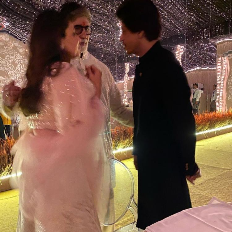 Amitabh Bachchan, Shah Rukh Khan & Gauri's candid pic from Diwali bash makes us wonder what they were upto