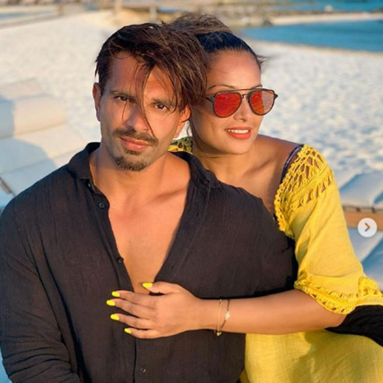 Bipasha Basu & Karan Singh Grover fly to Maldives for latter' birthday; Share pics from their exotic vacation