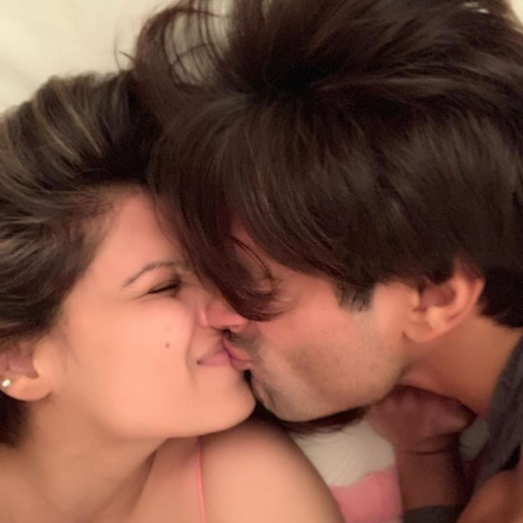PHOTOS: Bipasha Basu and Karan Singh Grover's romantic snap will make you go aww; Check it out