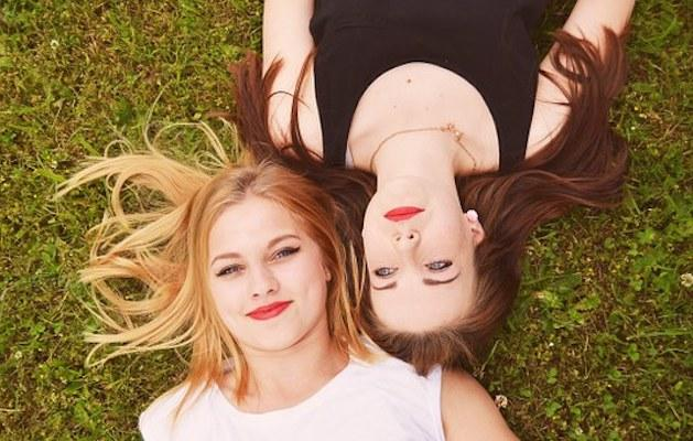 Miss your long-distance BFF? THESE are the things you'll most relate to