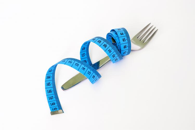 5 popular nutrition myths that are completely false and cause WEIGHT GAIN