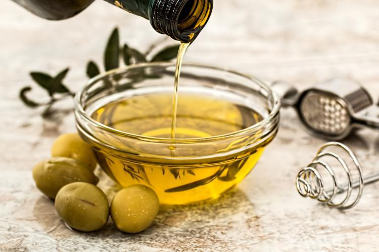 Mustard Oil: THESE benefits of Mustard Oil for skin will leave you surprised