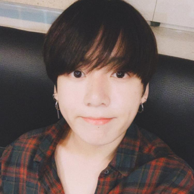 PHOTOS BTS member Jungkook cuts his tresses short and ARMY
