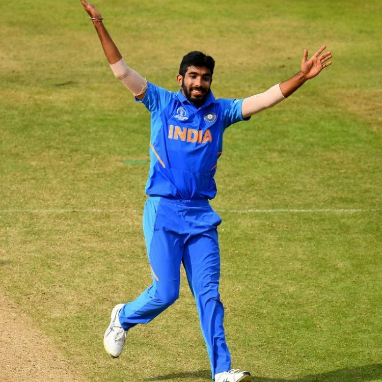 Jasprit Bumrah IMPRESSED by elderly fan's imitation of his bowling style