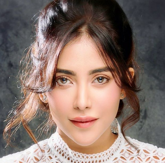 Angela Krislinzki is turning heads with her style quotient; Check it out