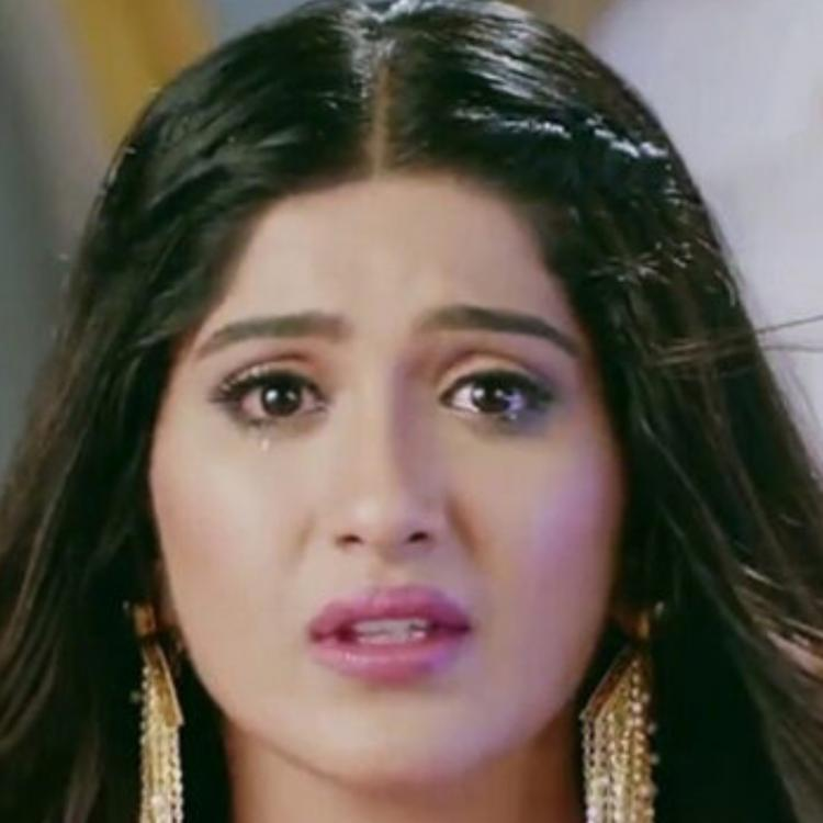 Choti Sarrdaarni SPOILERS: Meher takes an oath of NOT returning to the house until she proves her innocence