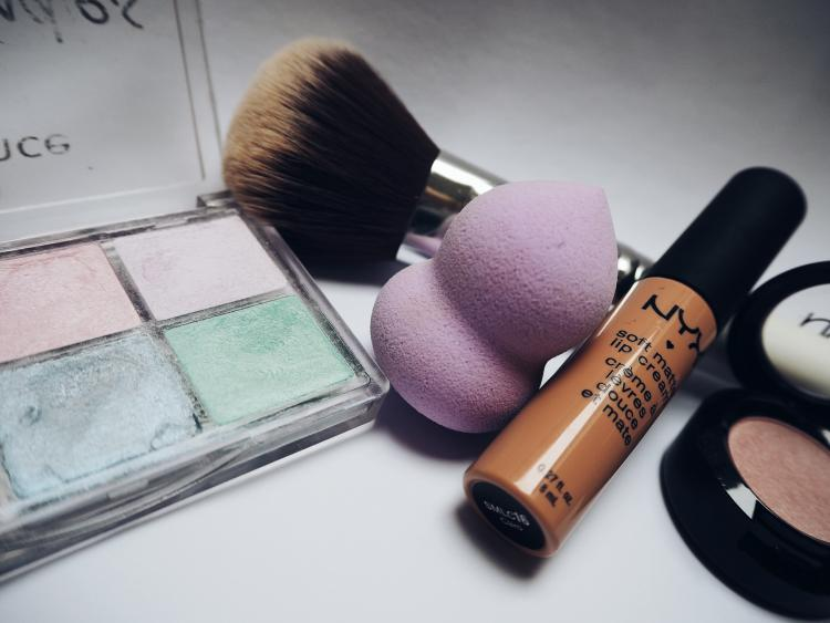 Easy ways to clean your beauty blender under 5 minutes