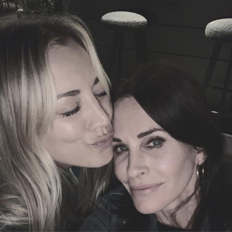Friends alum Courteney Cox & The Big Bang Theory star Kaley Cuoco had a 'Big Bang Friends' meet; Check it out