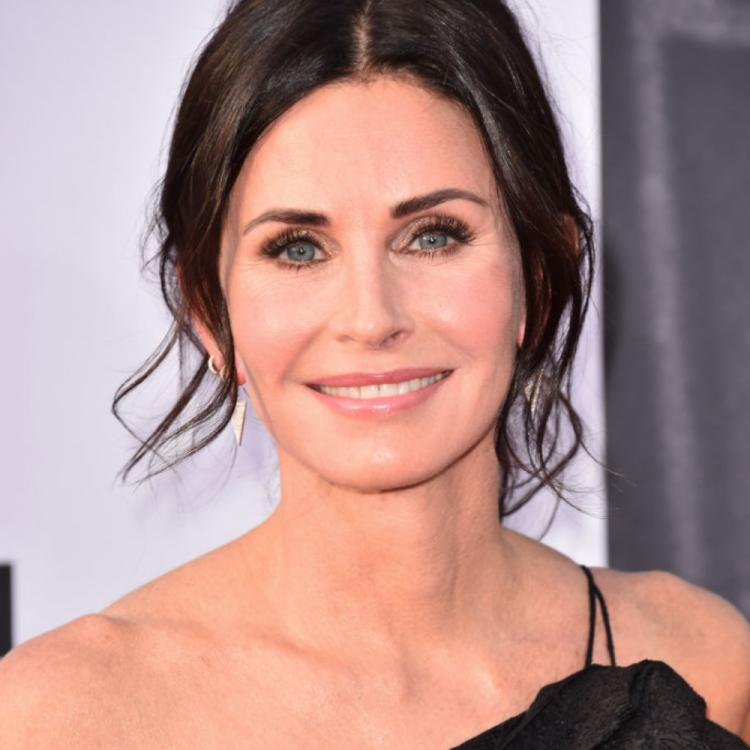 Courteney Cox surprises a fan on video call who had a virtual FRIENDS themed Bar Mitzvah