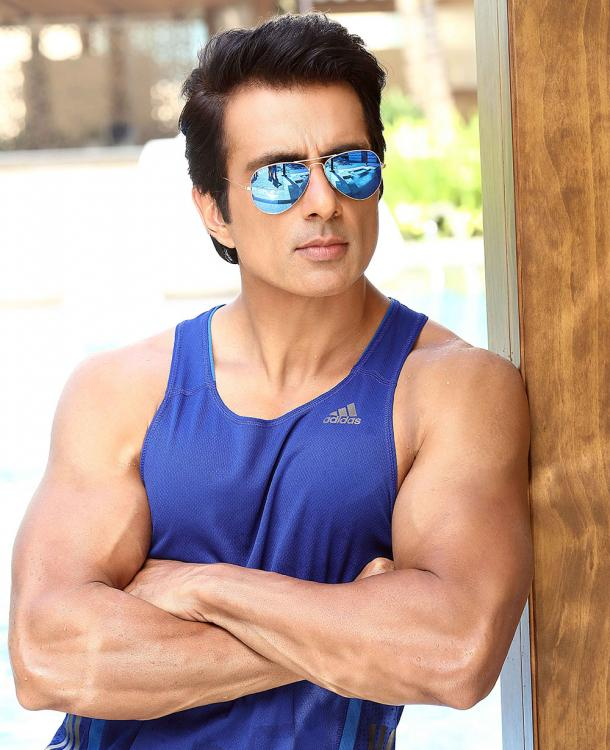 COVID 19 Sonu Sood's reply to a man asking actor for help to elope with his GF leaves internet in splits