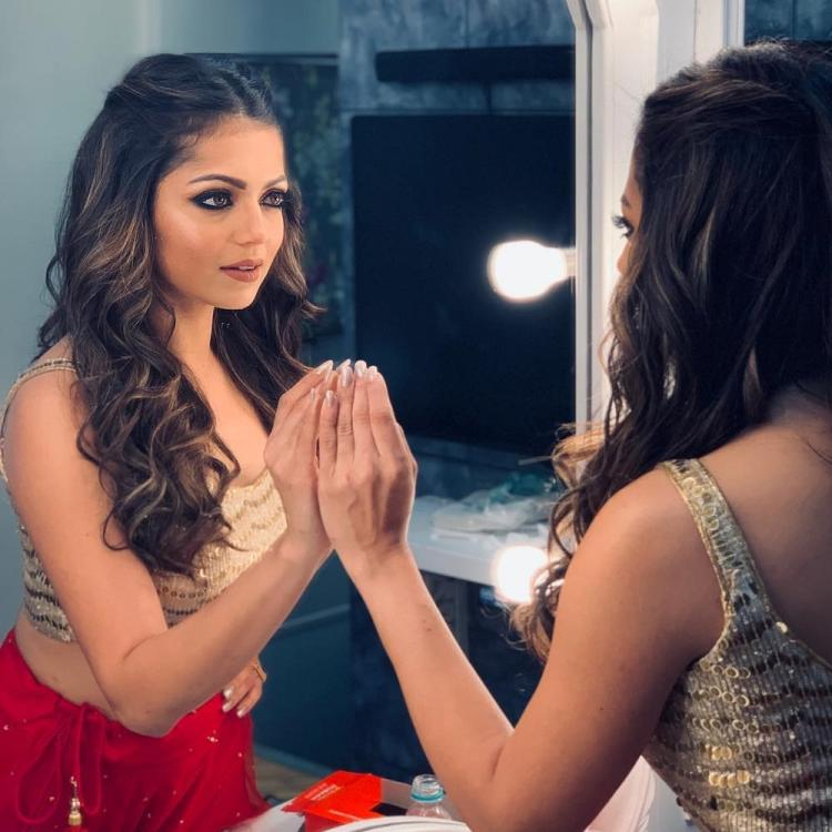 Drashti Dhami pays her tribute to IAF by humming 'Suno.