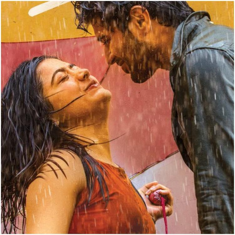 Dear Comrade Kadalalle Lyrical Song: Vijay Deverakonda and Rashmika Mandanna spell magic with their chemistry