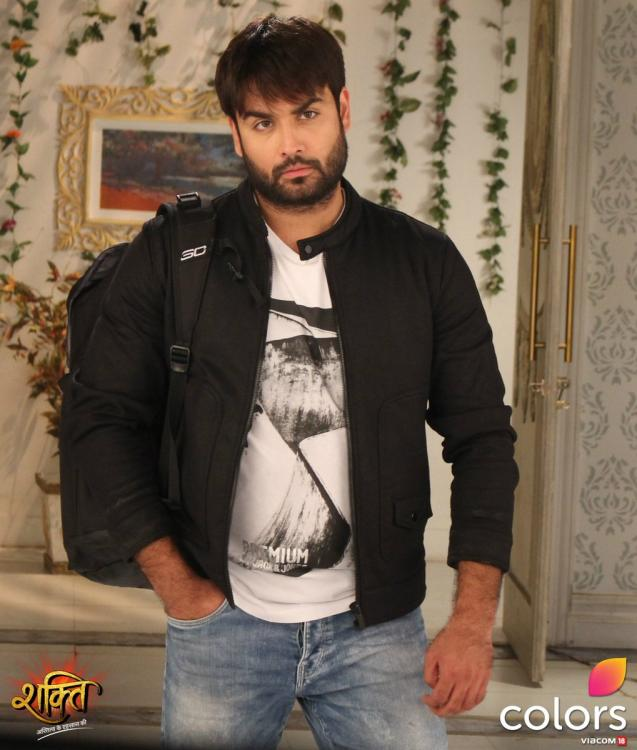 Vivian Dsena decides to QUIT Shakti...Astitva Ke Ehsaas Kii not wanting to play a father to a grown up