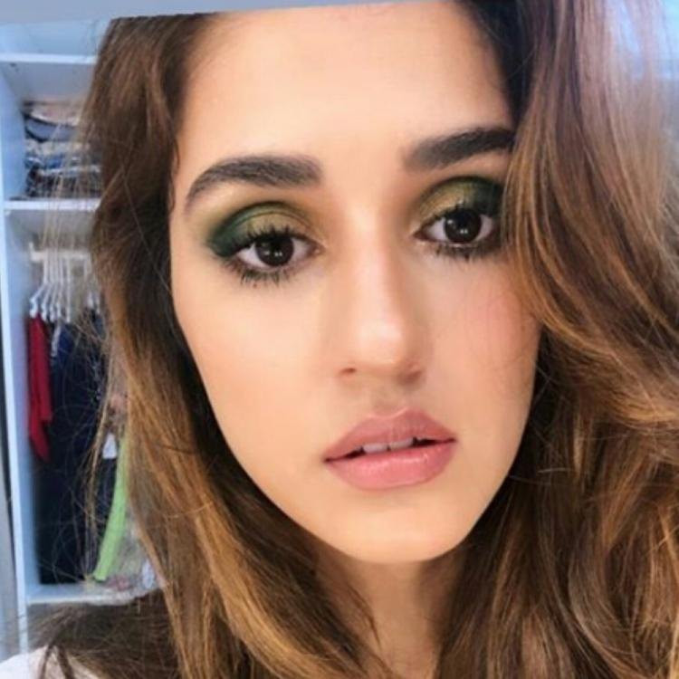 Disha Patani's eye make up is on point as she dolls up in her latest pics and makes us green with envy
