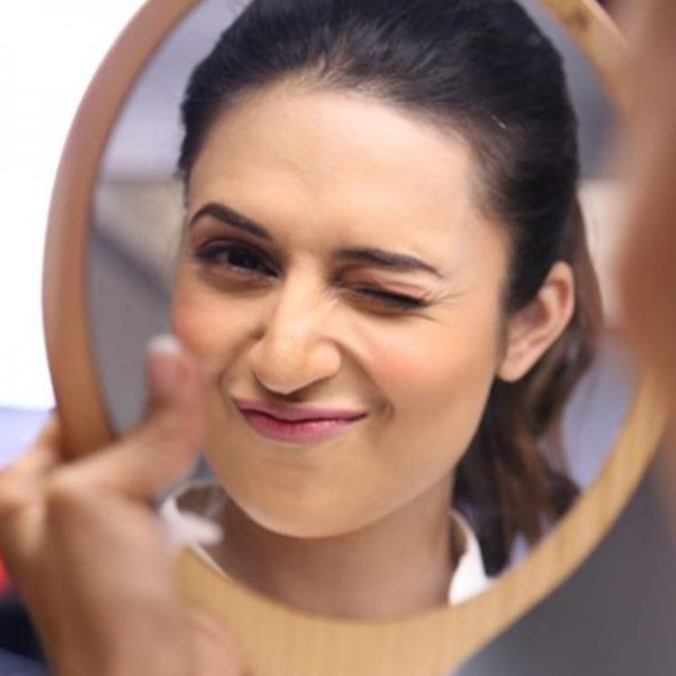 Divyanka Tripathi of Yeh Hai Mohabbatein fame nails the wink game in her latest picture