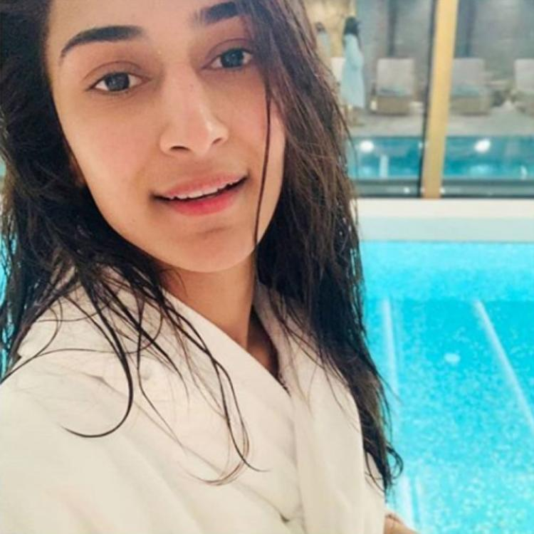 Kasautii Zindagii Kay actress Erica Fernandes' after swim selfie is winning hearts for all the right reasons