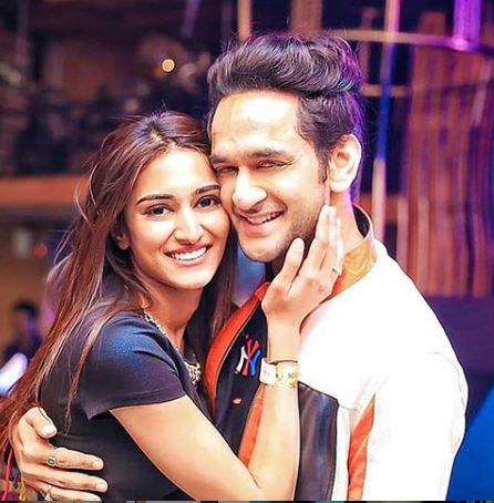 Erica Fernandes and Vikas Gupta's picture from Parth Samthaan's party will take you to the Twilight zone