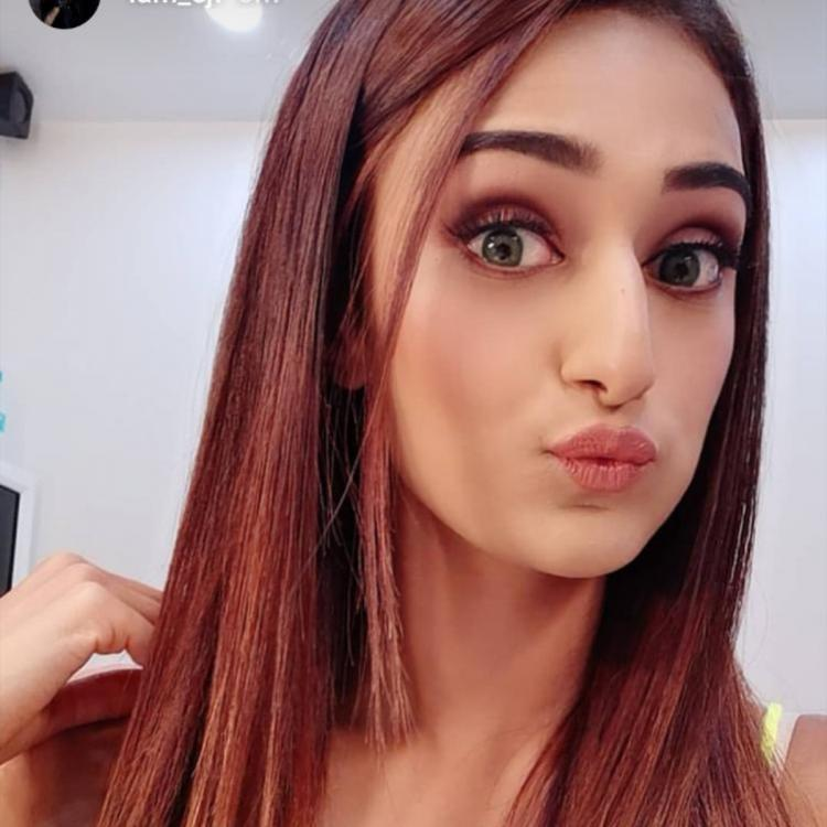 Kasautii Zindagii Kay actress Erica Fernandes looks runway ready with this new hair look; view PICS