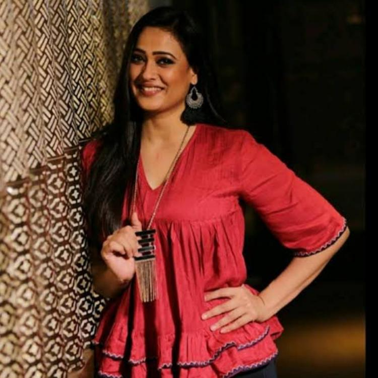 EXCLUSIVE: Shweta Tiwari RECOUNTS a fan mobbing experience which left her embarrassed