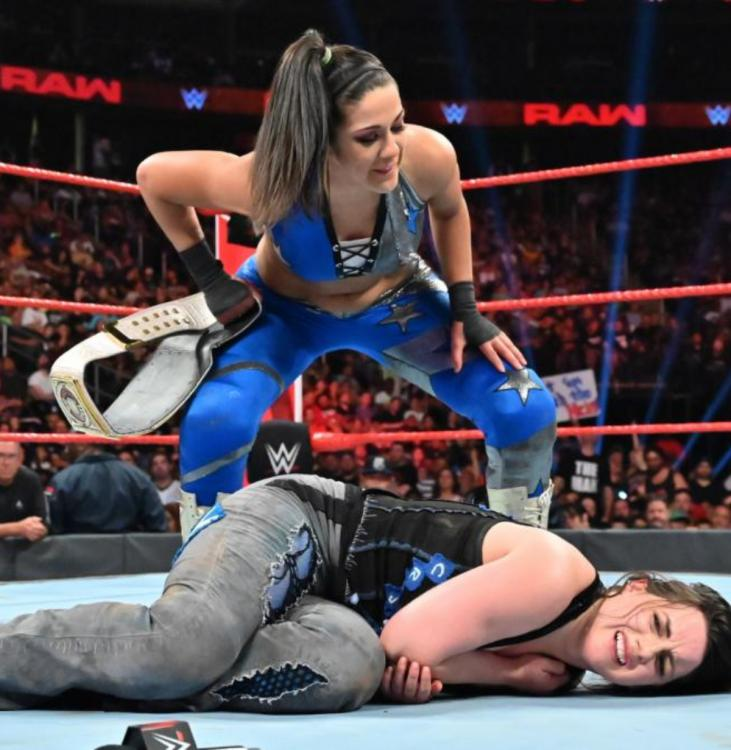 Nikki Cross decided the handicap match stipulation for the Extreme Rules 2019 bout between Bayley and Alexa Bliss.