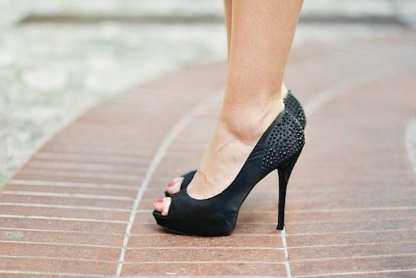 Fashion Hacks: 6 ways to deal with heels and make them more comfortable