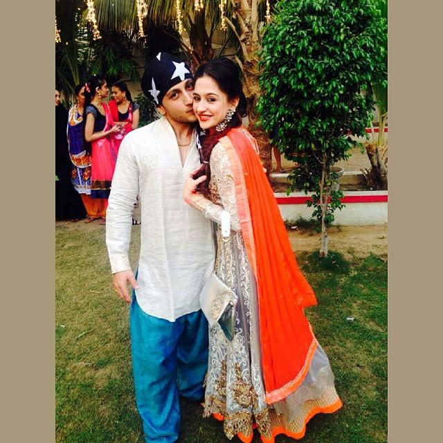 sanjeeda sheikh with husband aamir ali at her brother�s