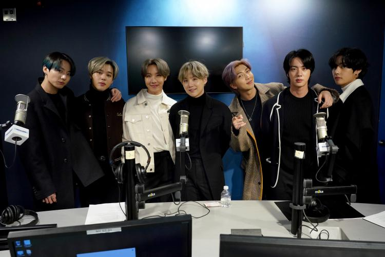 V hopes that BTS remain close friends, even twenty years later, when they have sons and daughters.