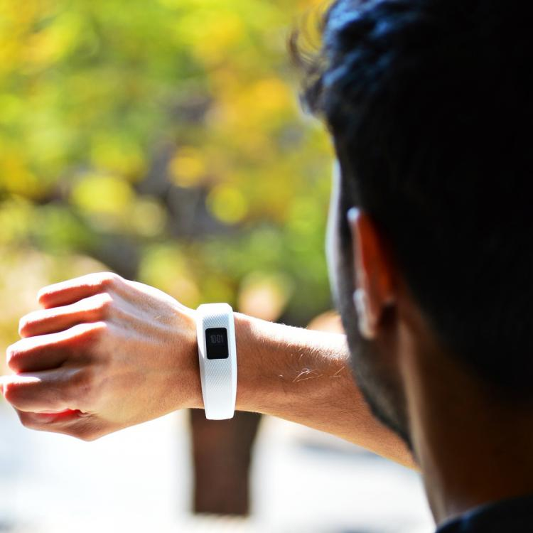 Weight Loss Tips and Tricks: Can fitness trackers help to shed extra pounds? Here's the truth