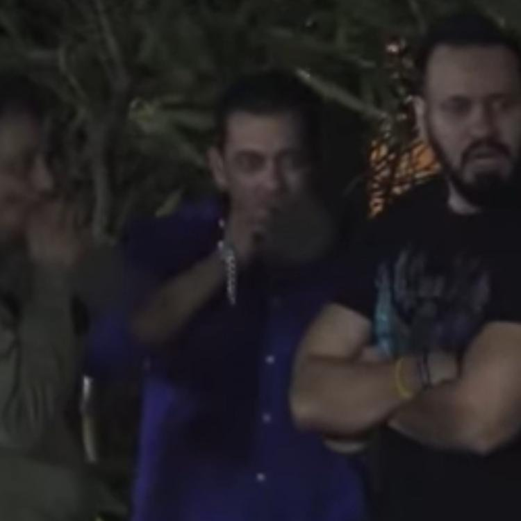 Salman Khan disappoints his fans as he gets spotted smoking during Ganpati celebrations