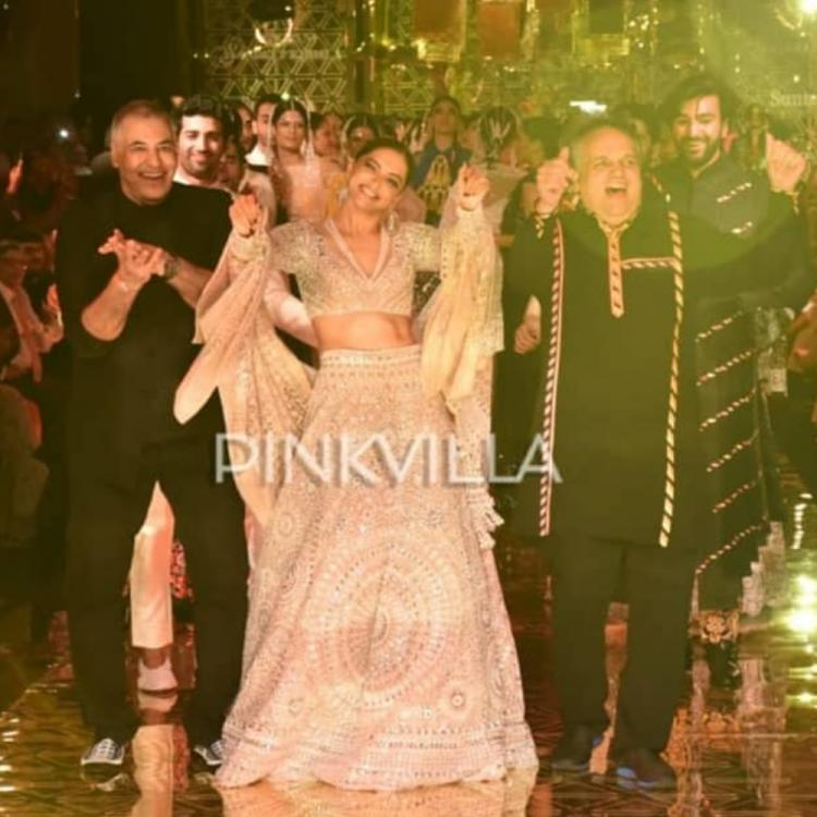 Deepika Padukone breaking into an impromptu dance at the Abu Jani & Sandeep Khosla show is a visual delight