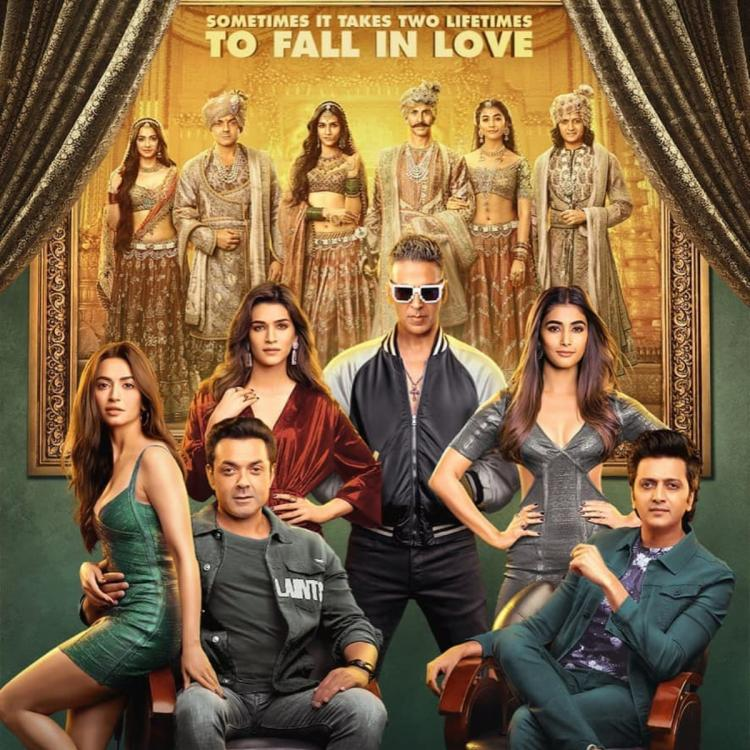 Housefull 4: Akshay Kumar treated his co stars on the sets with a surprise everyday; Find out why