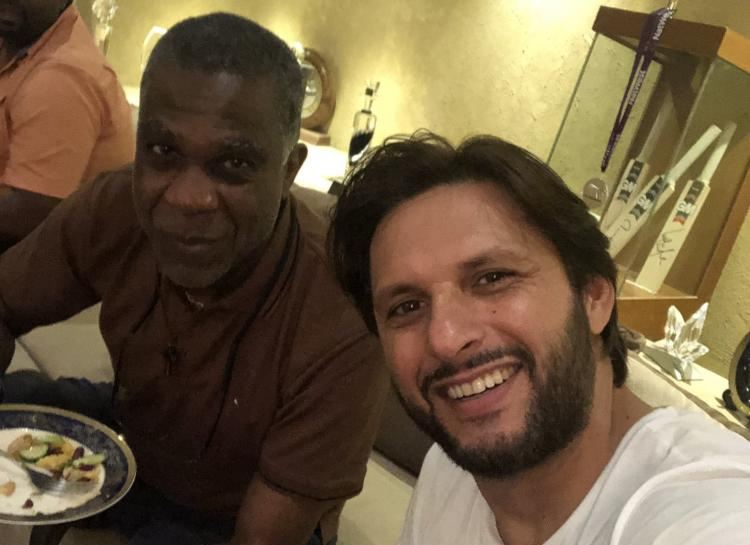 Shahid Afridi host dinner party for legendary West Indies cricketer Michael Holding