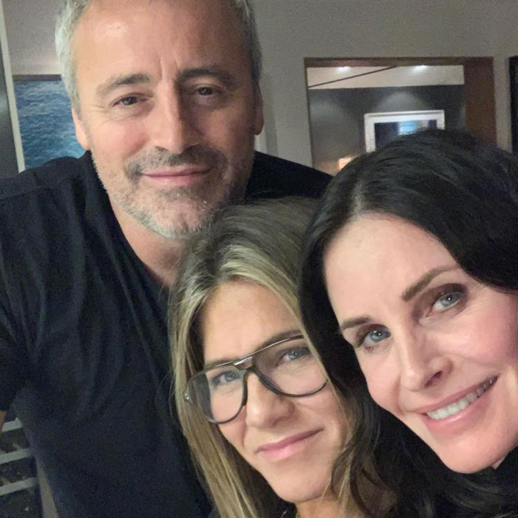Jennifer Aniston REVEALS Courteney Cox hosted a fun Friends reunion with the WHOLE cast; Here's what happened