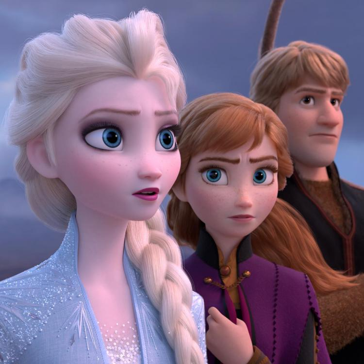Are you a fan of Frozen? Check out the top 5 moments from Kristen Bell and Idina Menzel starrer