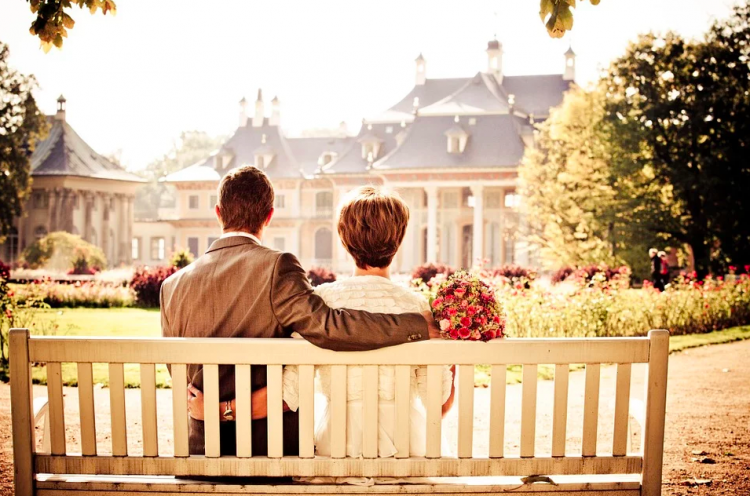Pining for your ex? Here's why it's so easy to get back with your ex