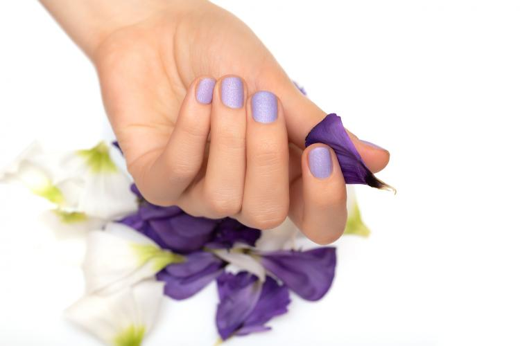 #ManiMonday: 3 ways to make your nail paint matte at HOME