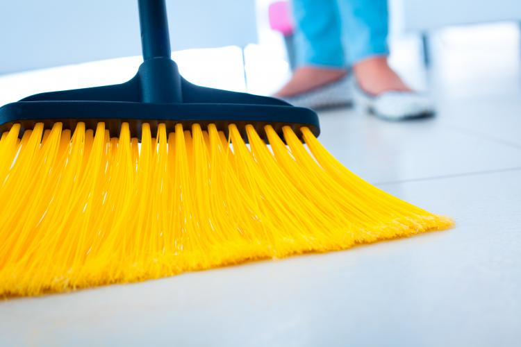 #BIZARRE: Twitterati try the #BroomChallenge to make their broom stand straight