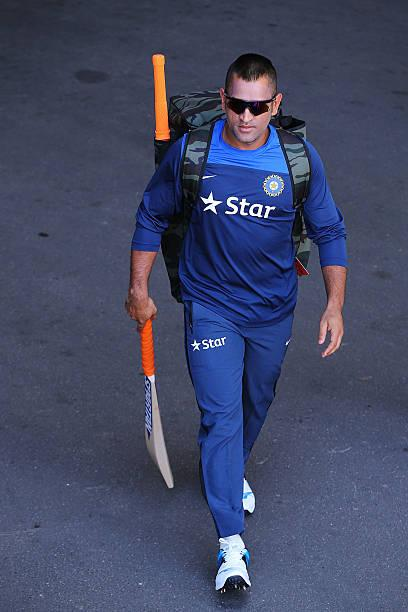 MS Dhoni expected to unfurl tri-colour in Leh on August 15