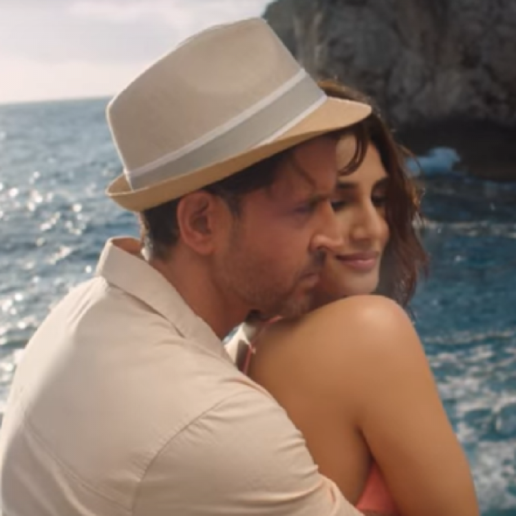 War song Ghungroo OUT: Hrithik Roshan & Vaani Kapoor give a