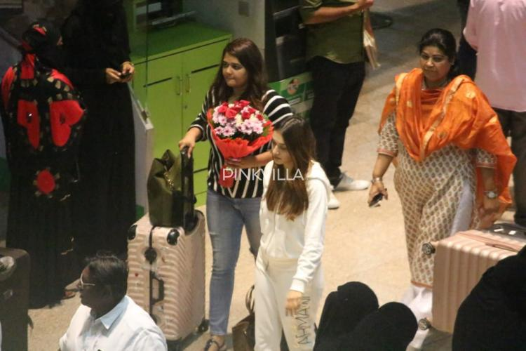 PHOTOS: Hansika Motwani keeps it simple in a white tracksuit as she gets papped at the airport