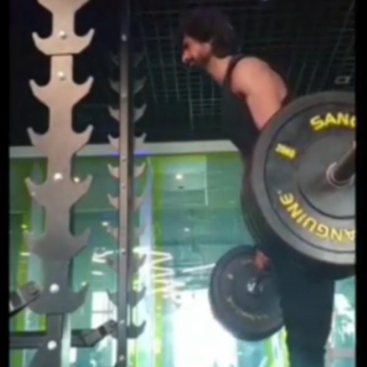 Bepannah star Harshad Chopda gives out some major mid week motivation as he lifts 100 kgs; WATCH