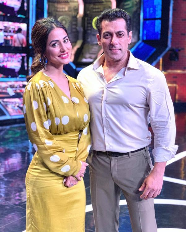 Bigg Boss 13 Hina Khan Is Back In The House Poses Tough