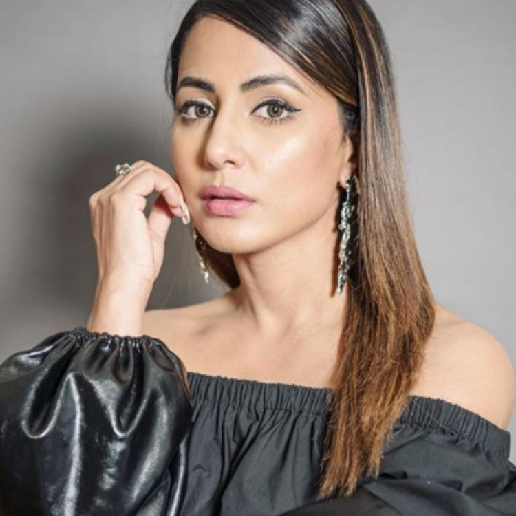 Hina Khan perfectly pulls off an uber chic look as she strikes a pose for the camera; See PHOTOS