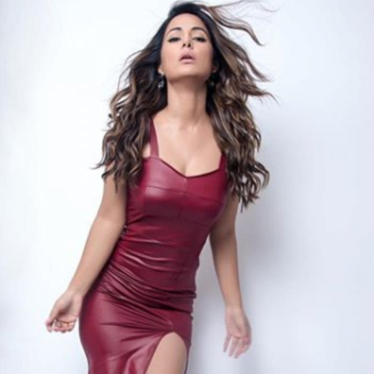 Hina Khan looks stunning in a bodycon dress as she strikes a pose for the camera; View PICS