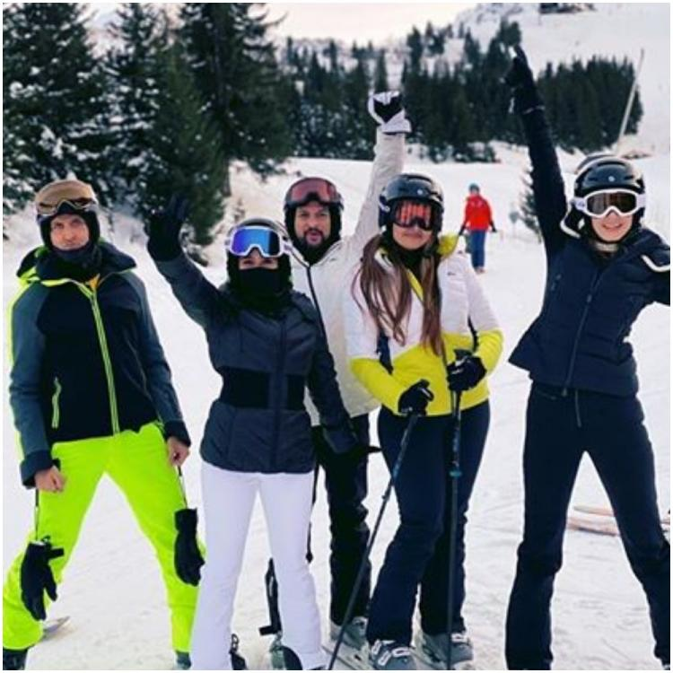 Hrithik Roshan, Sussanne Khan's 'Modern Family' holiday photos with kids, grandparents, friends scream fun