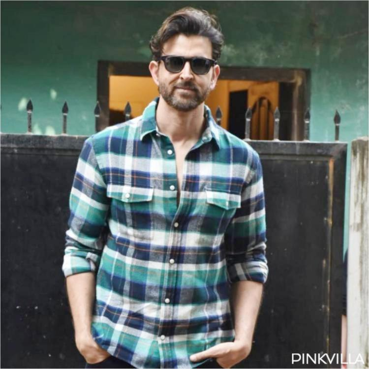 Hrithik Roshan appeals public to avoid traveling in train